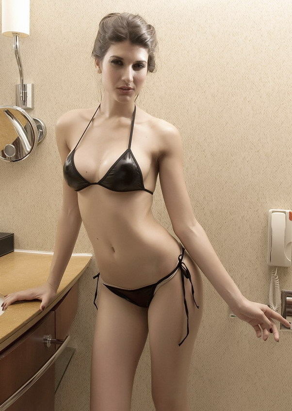Free Shipping Fashion And Sexy Gilded Swimsuit Bikini Set - Black